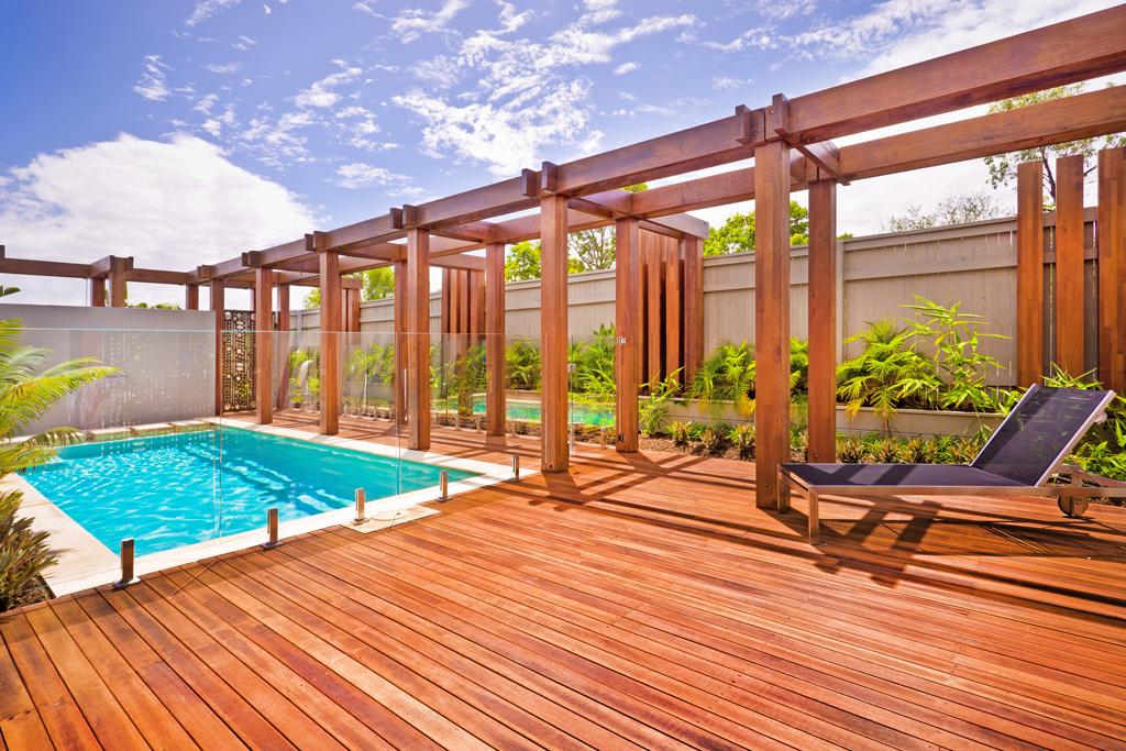Neostik sigillanti ed adesivi helios italia s r l for Adesivi per piscine